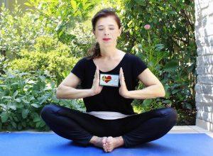 yoga vrouw hart