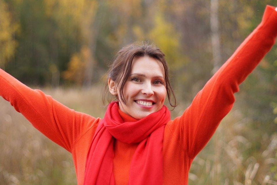 gelukkige blije vrouw
